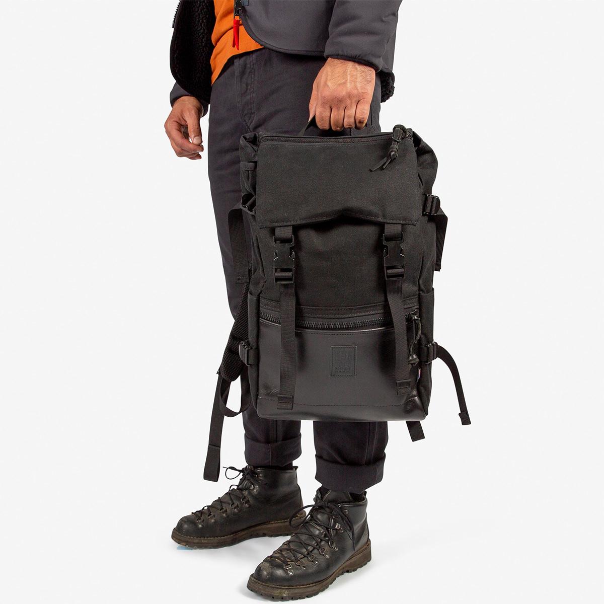 Topo Designs Rover Pack Ballistic Black/Black Leather, Robuster, hochwertiger und wasserfester Rucksack für den täglichen Gebrauch