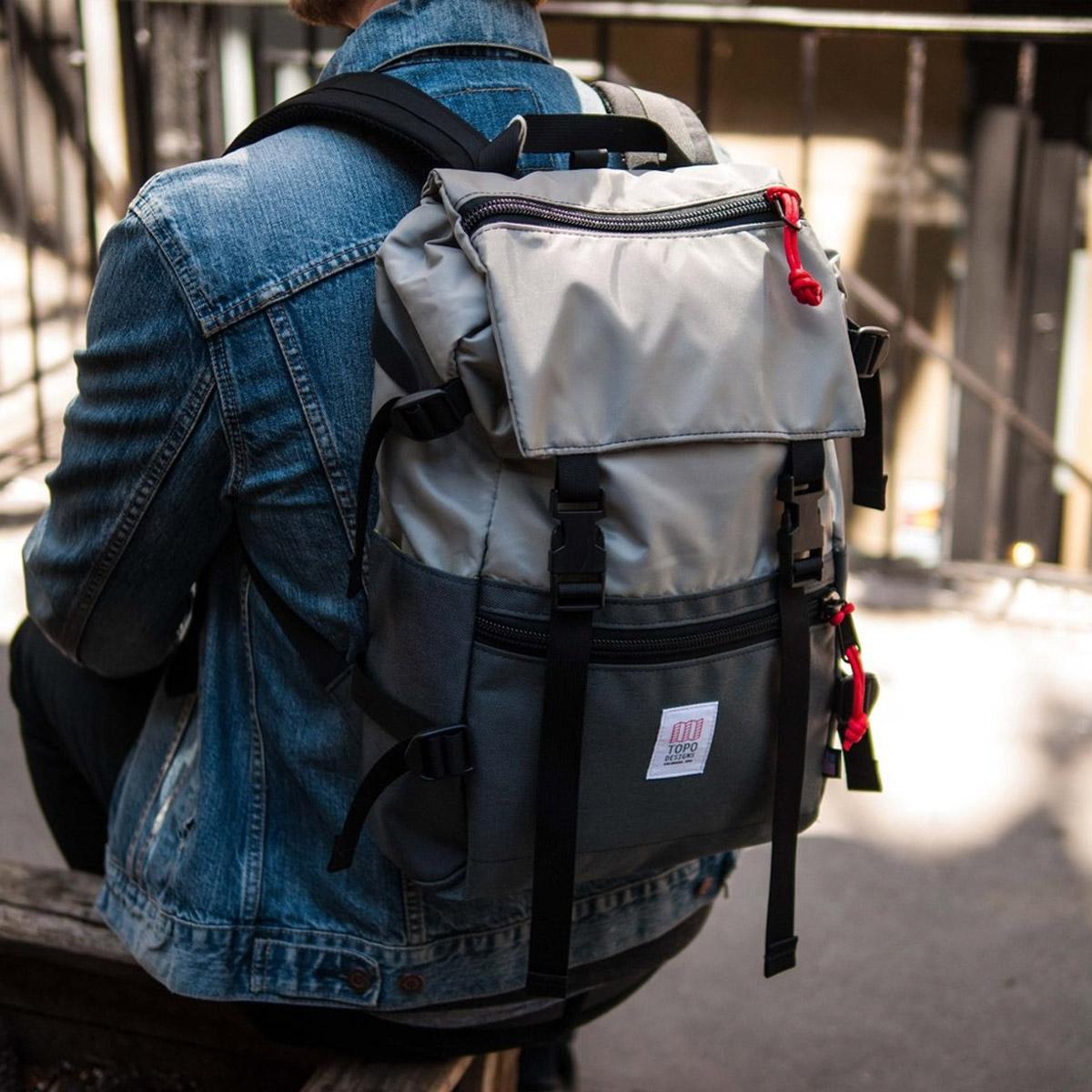 Topo Designs Rover Pack Silver Charcoal, der ideale Rucksack für den täglichen Gebrauch