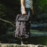 Topo Klettersack Ballistic/BlackLeather lifestyle