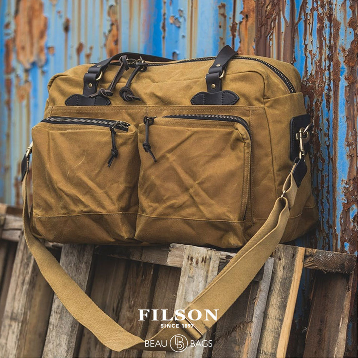 Filson 48-Hour Duffle Dark Tan, eine robuste Duffle Bag mit großen Fächern für ein verlängertes Wochenendep