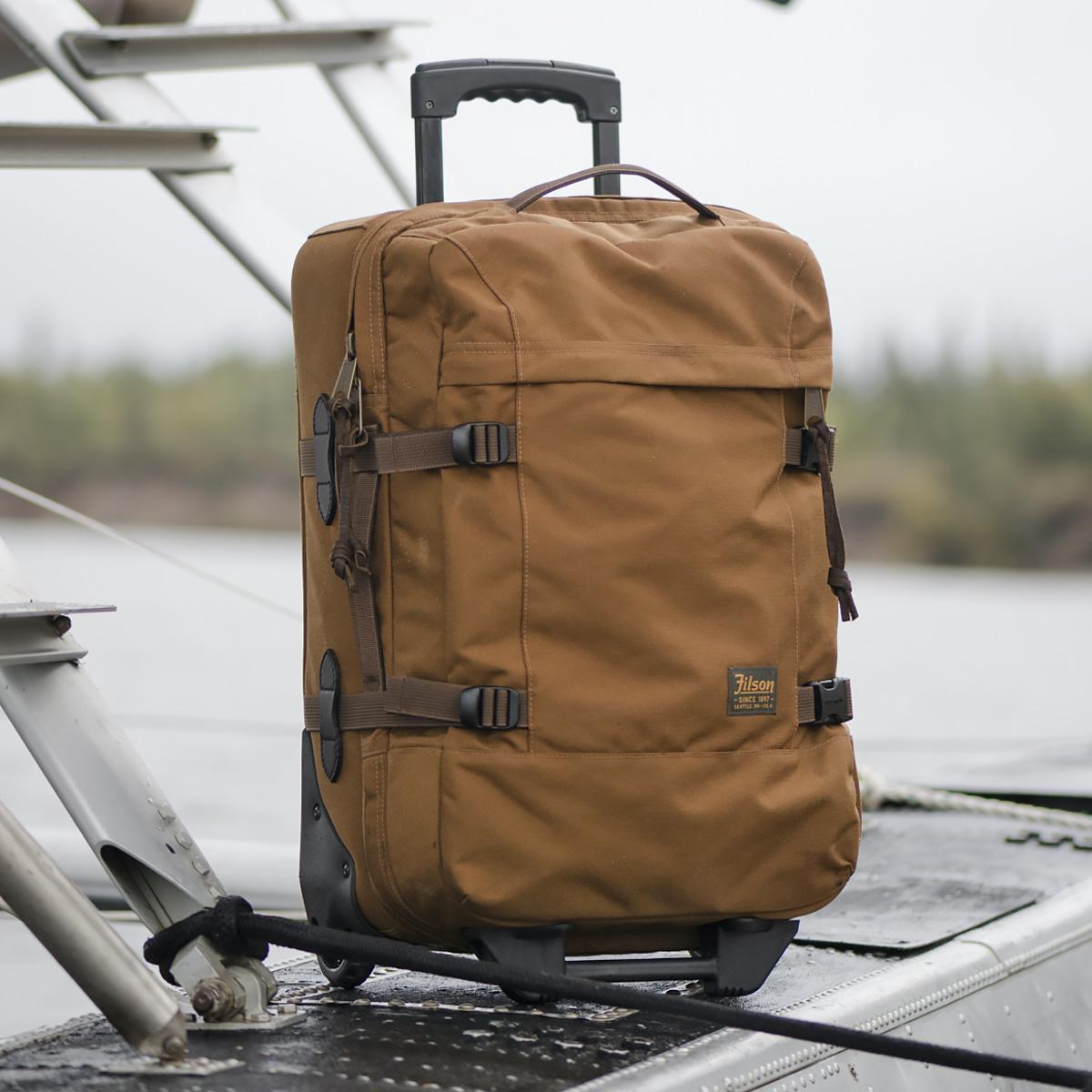 Filson Dryden Dryden 2-Wheel Rolling Carry-On Bag 20047728-Whiskey, Koffer hergestellt aus reißfestem ballistischem Nylon für jahrelanges, zuverlässiges Reisen