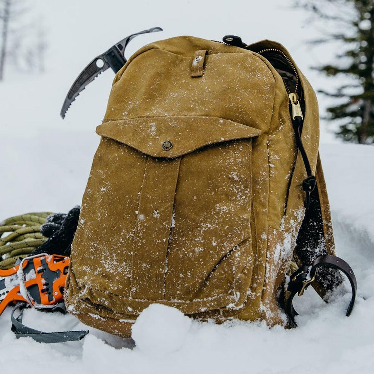Filson Journeyman Backpack 11070307 Tan, für schwere Lasten mit wasserabweisender, abriebfester Leistung