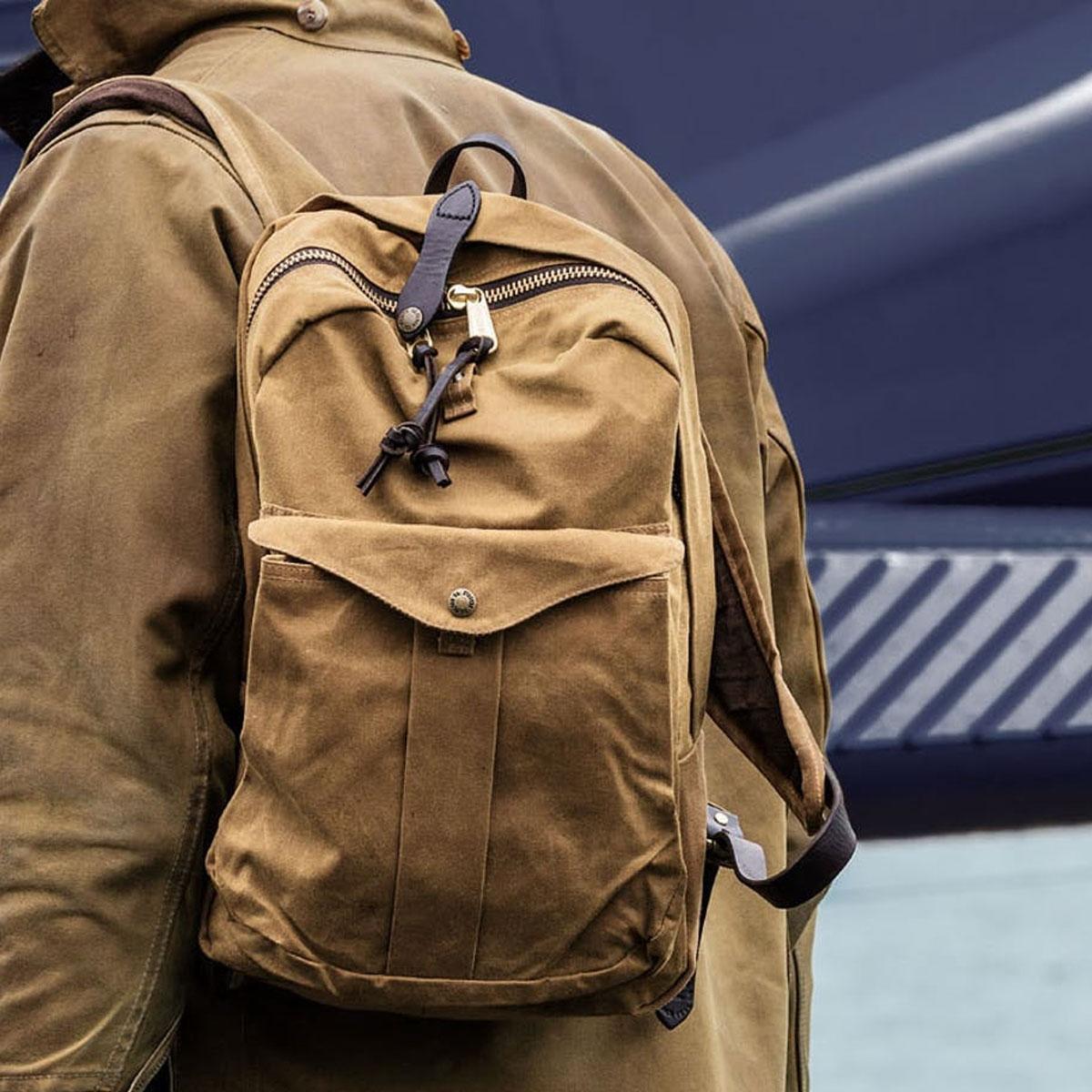 Filson Journeyman Backpack 11070307 Tan, der beste Rucksack für Ihr Vintage-Outfit