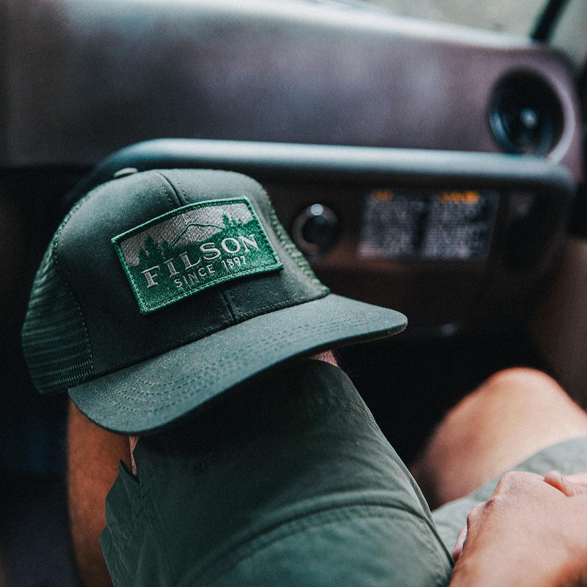 Filson Logger Mesh Cap 11030237-Otter Green, strapazierfähige Kappe aus ikonischem, wasserabweisendem Tin Cloth