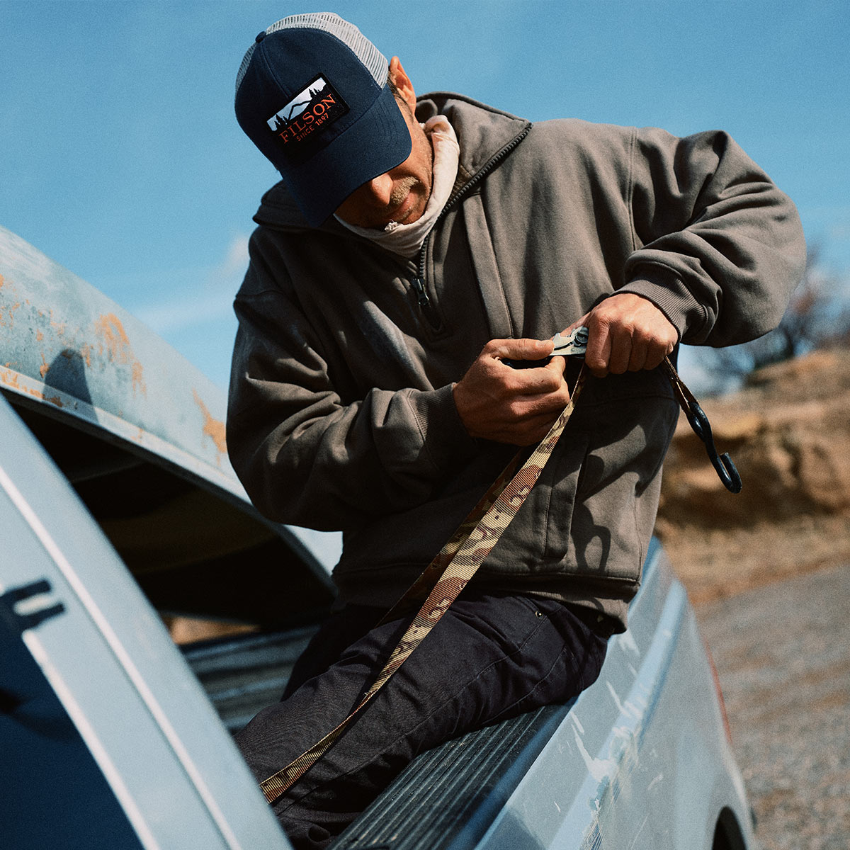 Filson Mesh Logger Cap 20157135-Navy, durable cap with breathable sun protection