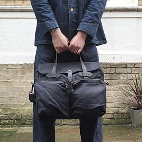 Filson 24-Hour Tin Briefcase Navy, diese tolle Tasche ist der perfekte Geschäftspartner auf Reisen