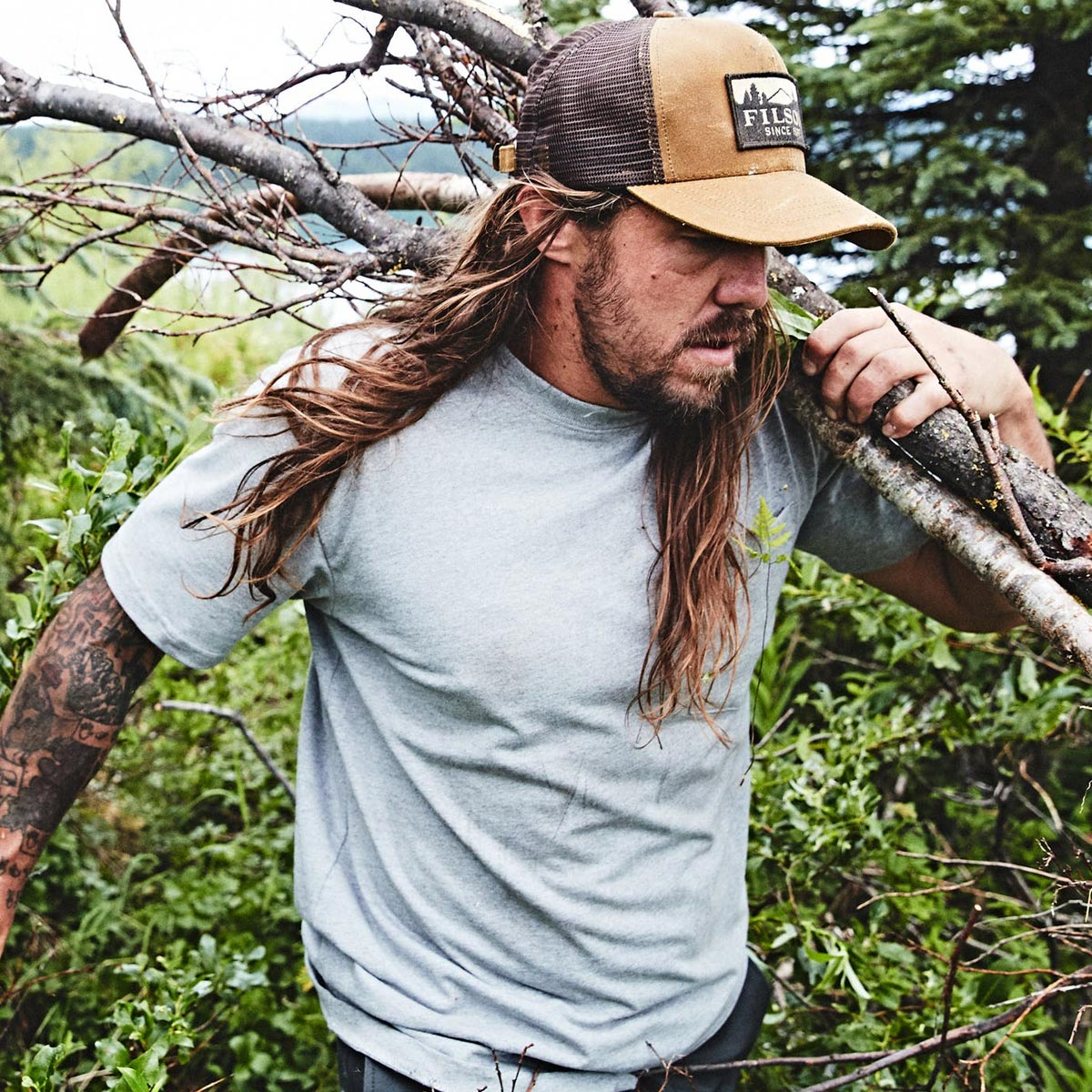 Filson Outfitter Solid T-Shirt lifestyle
