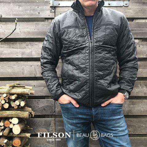 Filson Ultra Light Jacket Raven, perfekt als Außenhülle oder unter einer dicken Jacke geeignet und sorgt für Wärme bei extremer Kälte