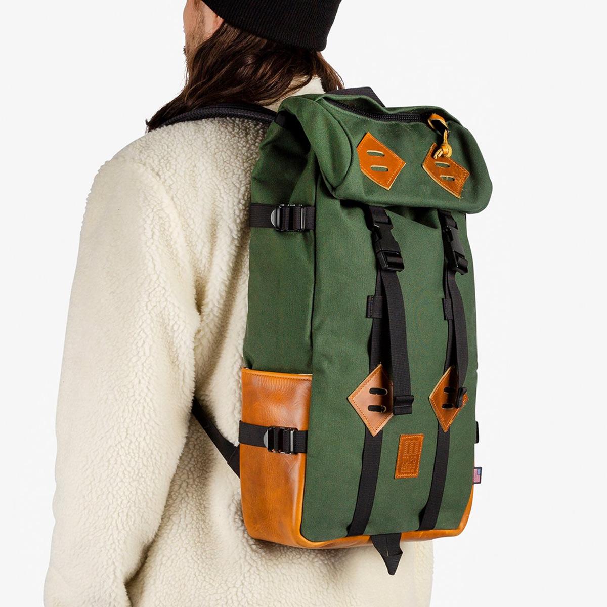 Topo Designs Klettersack Heritage Olive Canvas/Brown Leather, idealer Reisebegleiter fürdie tägliche Wanderung in die Berge