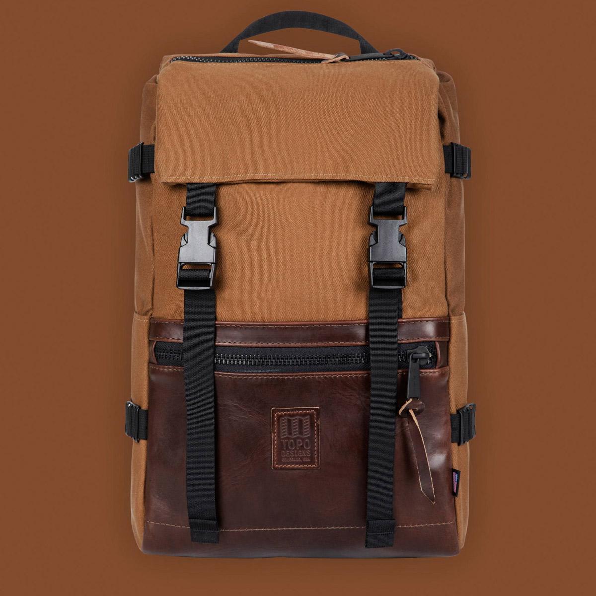 Topo Designs Rover Pack Heritage Dark Khaki Canvas/Brown Leather, der ideale Rucksack für den täglichen Gebrauch