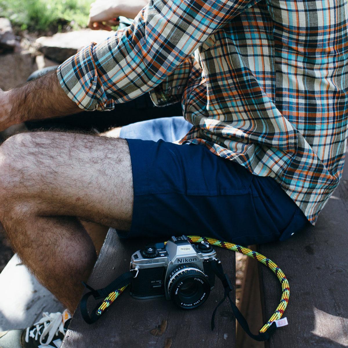 Topo Designs Camera Strap Multi, ein strapazierbarer Kameragurt mit Outdoor Stil