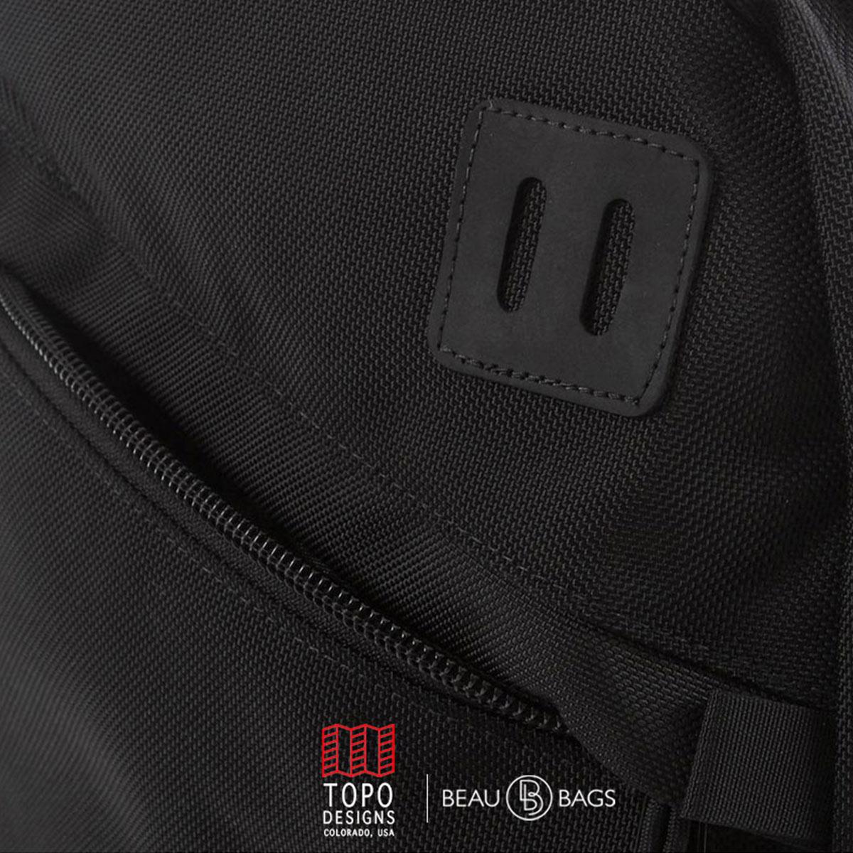 Topo Designs Daypack Ballistic Black Leather, Idealer Reiserucksack für Reise, Stadt, Arbeit oder Schule.
