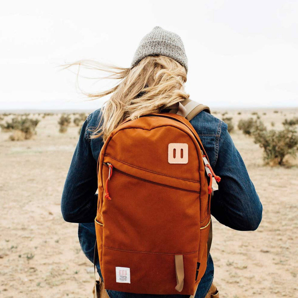 Topo Designs Daypack backpack Clay, Idealer Reiserucksack für Reise, Stadt, Arbeit oder Schule.