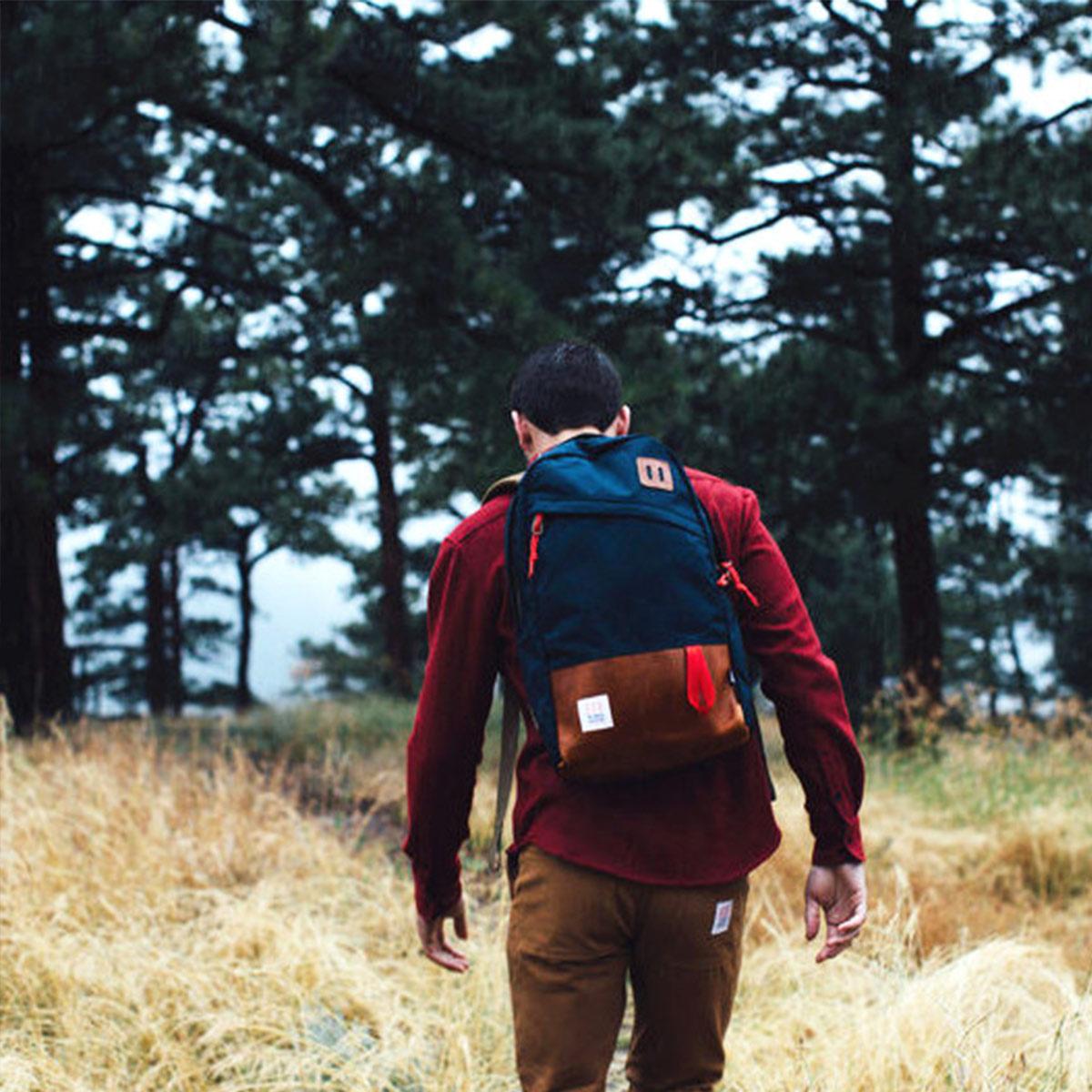 Topo Designs Daypack Navy/Brown Leather, idealer Reisebegleiter, Arbeitskollege oder Packesel