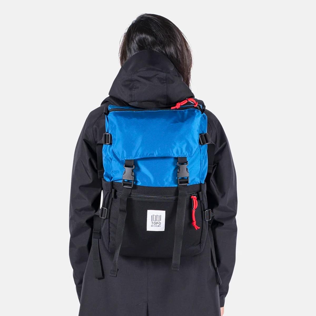 Topo Designs Rover Pack Classic Blue/Black, der ideale Rucksack für den täglichen Gebrauch