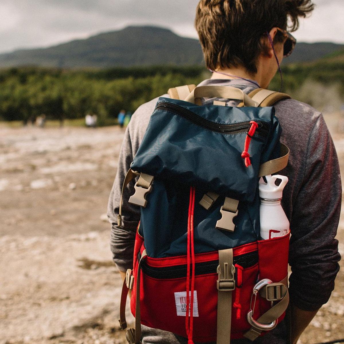 Topo Designs Rover Pack Classic Navy/Red, der ideale Rucksack für den täglichen Gebrauch