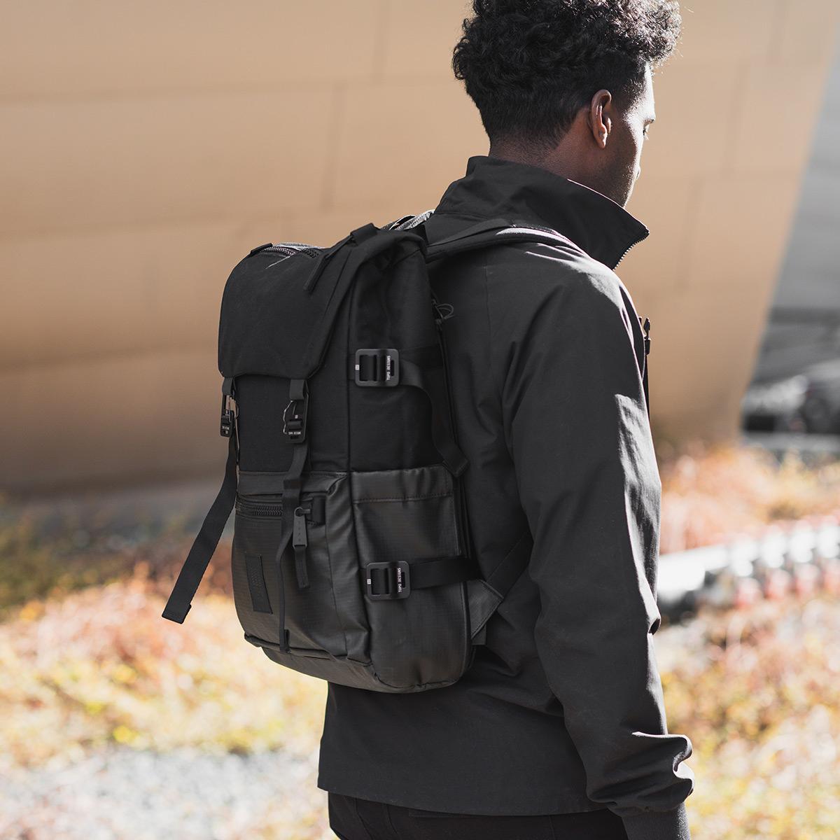 Topo Designs Rover Pack Premium Black, durable, Robuster, hochwertiger und wasserfester Rucksack für den täglichen Gebrauch