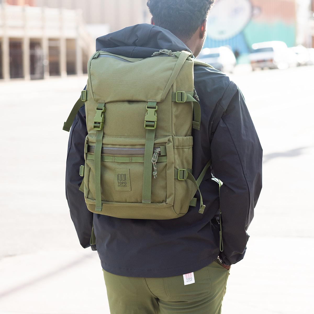 Topo Designs Rover Pack Tech Olive, der ideale Rucksack für den täglichen Gebrauch