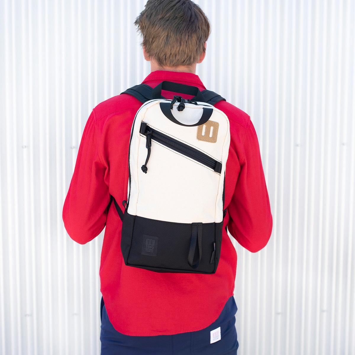 Topo Designs Trip Pack Naturel Ballistic Black, eines Tagesrucksack in einer leichten, kompakteren Größe