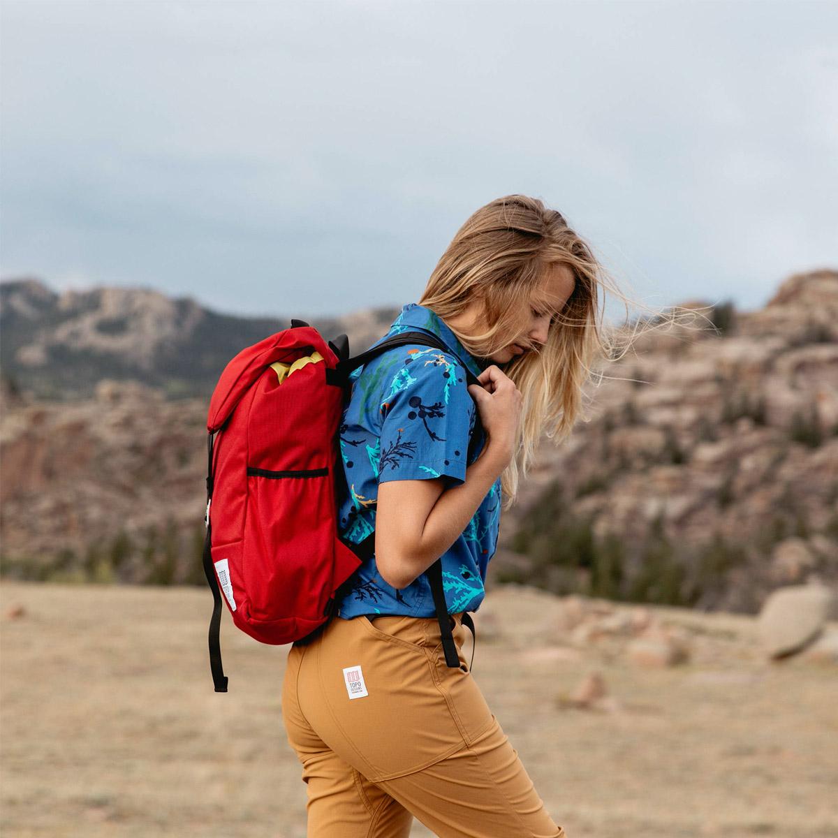 Topo Designs Y-Pack Red, Rucksack der Sie in der großen Natur und der lebendigen Stadt nicht enttäuschen wird