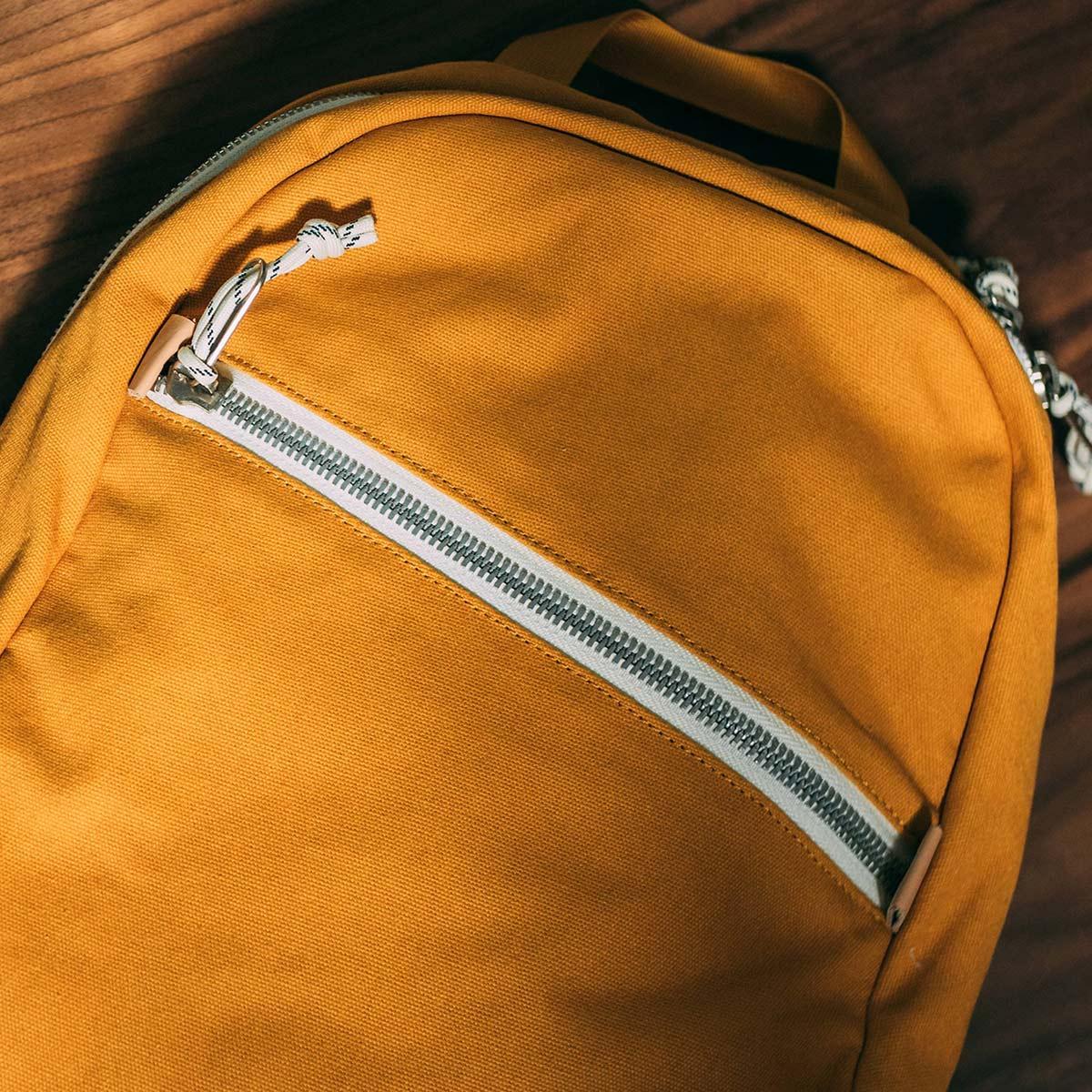 Topo Designs Light Pack Canvas, leichte Allround-Tasche und perfekter Rucksack zum Wandern