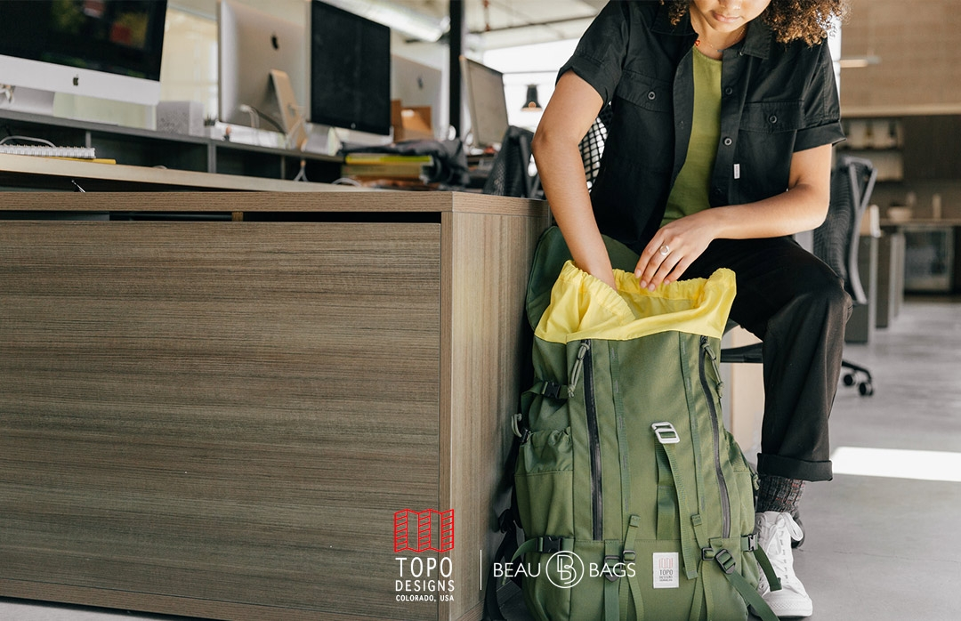 Topo Designs Mountain Pack Olive lifestyle
