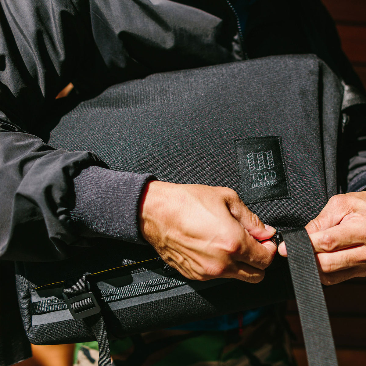 Topo Designs Messenger Bag Black-lifestyle