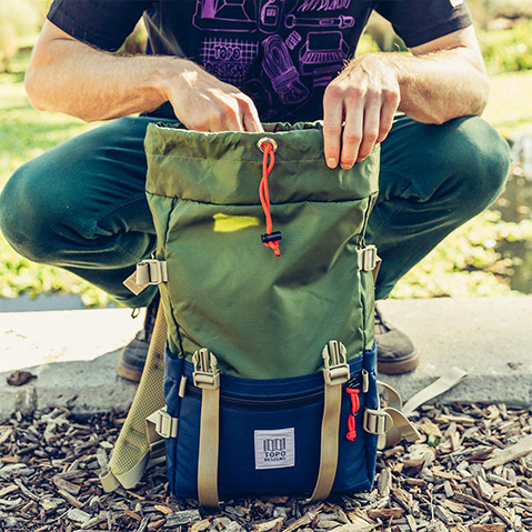 Topo Designs Rover Pack Classic, Be- und Entladen