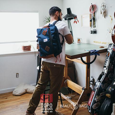 Topo Designs Mountain Briefcase Navy/Brown Leather, vor der Arbeit, in der Stadt oder auf einer Weltreise